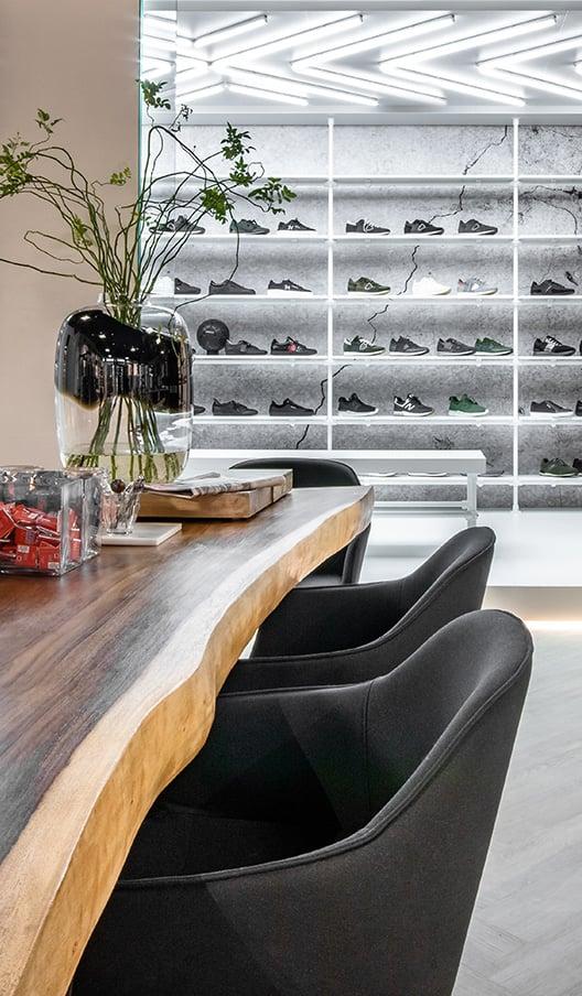 KOPexpo-interieurbouw-Oxener-shoes-528x904
